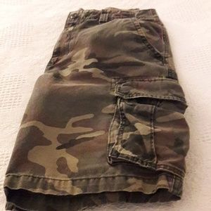 Old Navy Cargo camo shorts size 33
